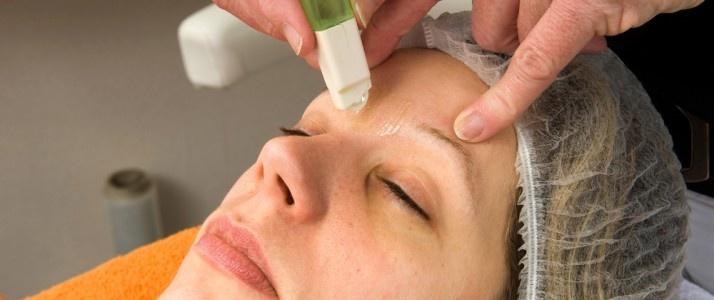 Cosmetic treatment needs better regulation