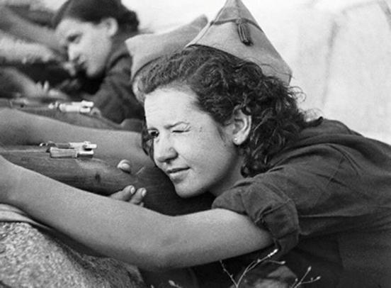 Búscame en el ciclo de la vida: 160. La mujer en la Guerra Civil Española.