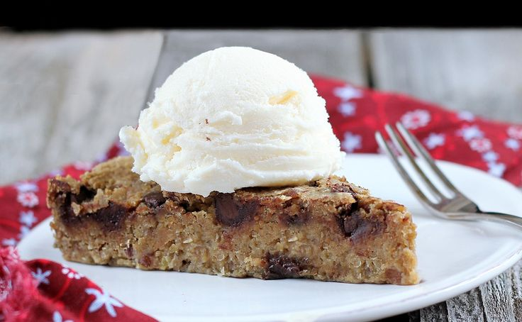 healthy chocolate chip pie. this is OUT OF THIS WORLD delicious. vegan ...