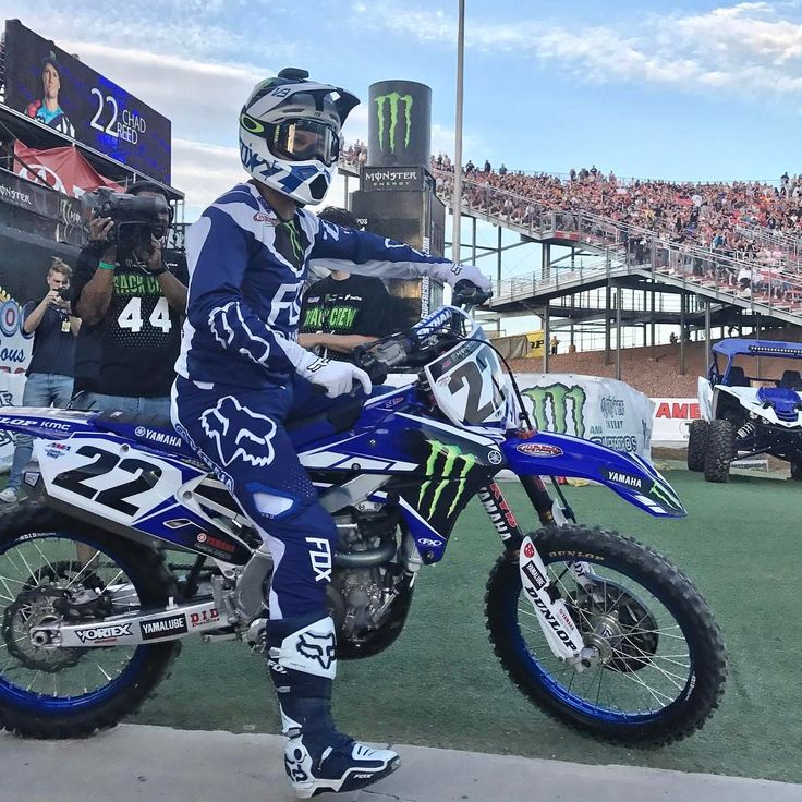 """37.1 mil Me gusta, 151 comentarios - Supercross LIVE! (@supercrosslive) en Instagram: """"Regardless of where we travel, the crowd ignites every time this man enters the stadium. #Respect…"""""""