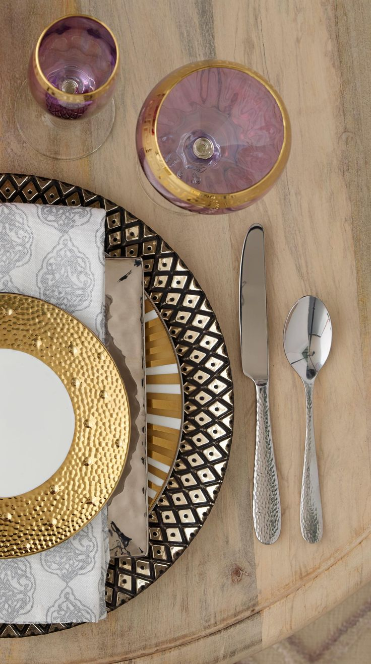 Wine, dine, sparkle and shine! Create a brilliant tablescape by mixing and matching this holiday season!  Click through to get more dining inspiration on our Design Happy blog.