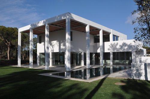 Tall Columns Tempo A Stately Minimalist Mansion In Portugal   Decorismo