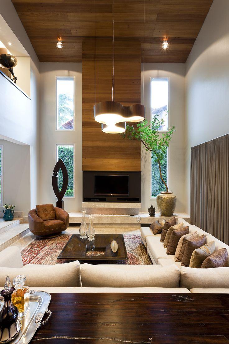 A designer de interiores Andreza de Lucca concebeu o interior completo desta casa localizada em Belo Horizonte, Minas Gerais. Interior designer Andreza de Lucca has designed the complete interior o...