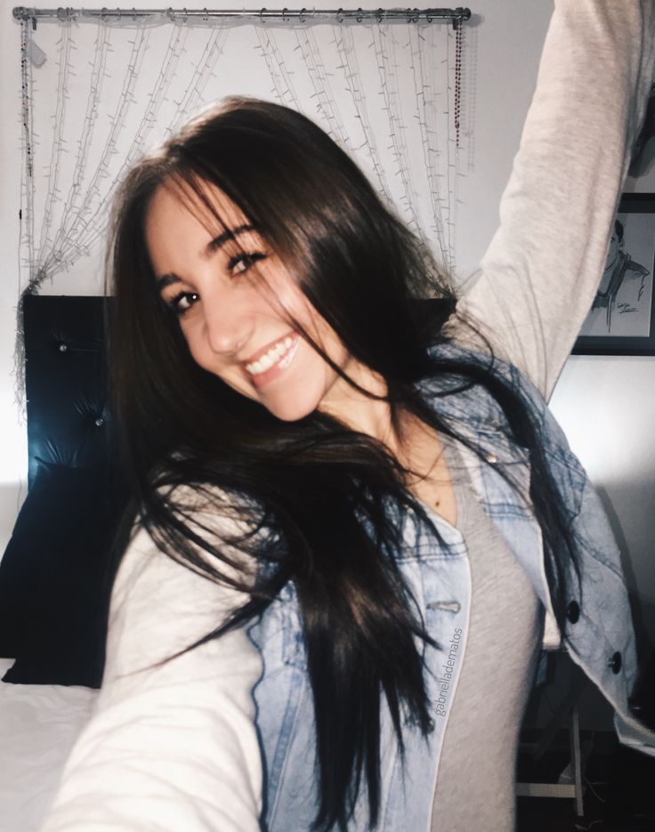 Exams are OVER!👩🏻🎓 Instagram- gabrielladematos Pinterest - gabsdematos #longhair #brunette #style #denimjacket #fashion #streetstyle #young #college #fashionblogger #ootd #ootn