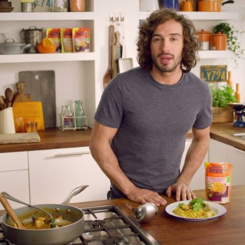 Healthy, quick and easy. Uncle Ben's and Joe Wicks bring you a tasty medley of meals that can be put together in minutes.   There are 5 Healthy Meals Made Easy to choose from, including Cajun Spiced Chickpea Salad and King Prawn Stir-fry.   Click healthymealsmadeeasy.co.uk for the full range of recipes.