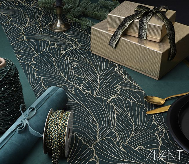 Beauyante Table Runner In Green Gold Majestic Modernity Theme For Fw19 20 With Shiny Grid Box Set Gradiente Ribbon Soft Velvet Delux Decoraties Luxe
