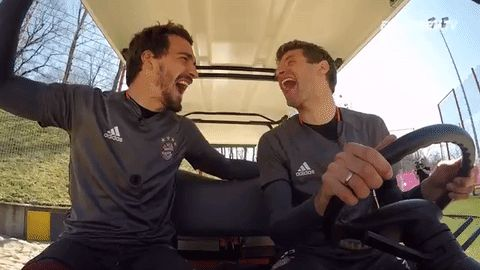 thomas muller laughing GIF by FC Bayern Munich
