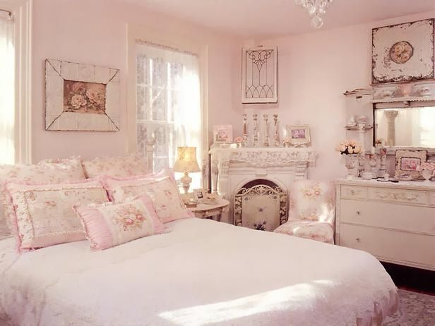 Shabby chic bedroom in pink.