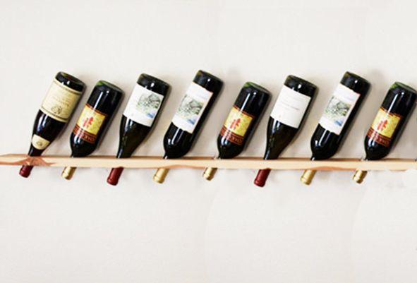 Personalizza la tua cucina realizzando una mensola porta bottiglie! #DIY #mensola #portabottiglie #legno #lavorarelegno #realizzazionilegno #legnofaidate #mensoledesign #portabottigliedesign