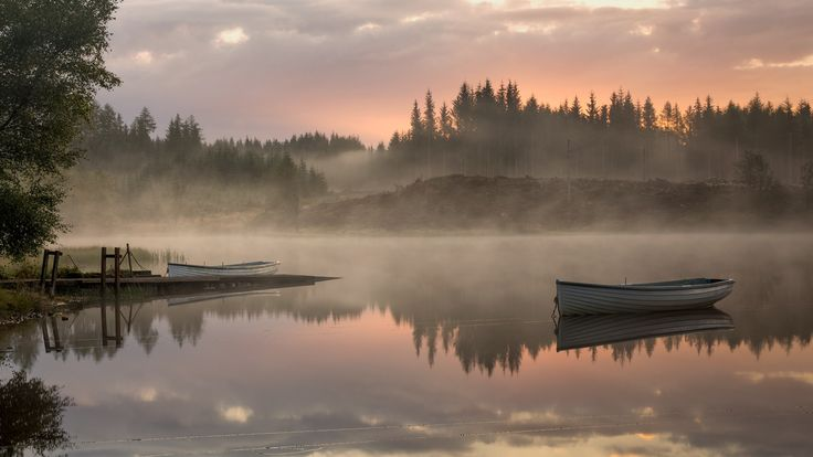 At this time of year the colours are just turning and the season needs another few weeks to get into the Autumn Shroud... until then, we depend on the textures and light shows that Mother Nature provides us... like this early morning shot from Loch Rusky yesterday morning... Check out my website at   Website or my Facebook page