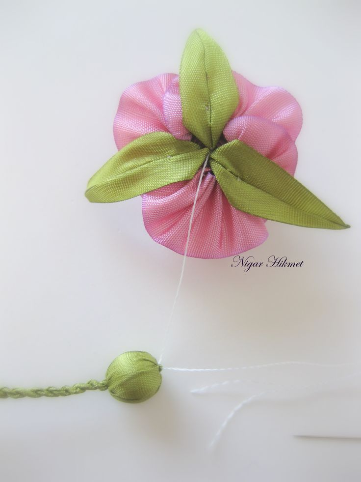 Tutorial: assembling a ribbonwork rose with calyx and cord stem, by Nigar Hikmet. Part 8