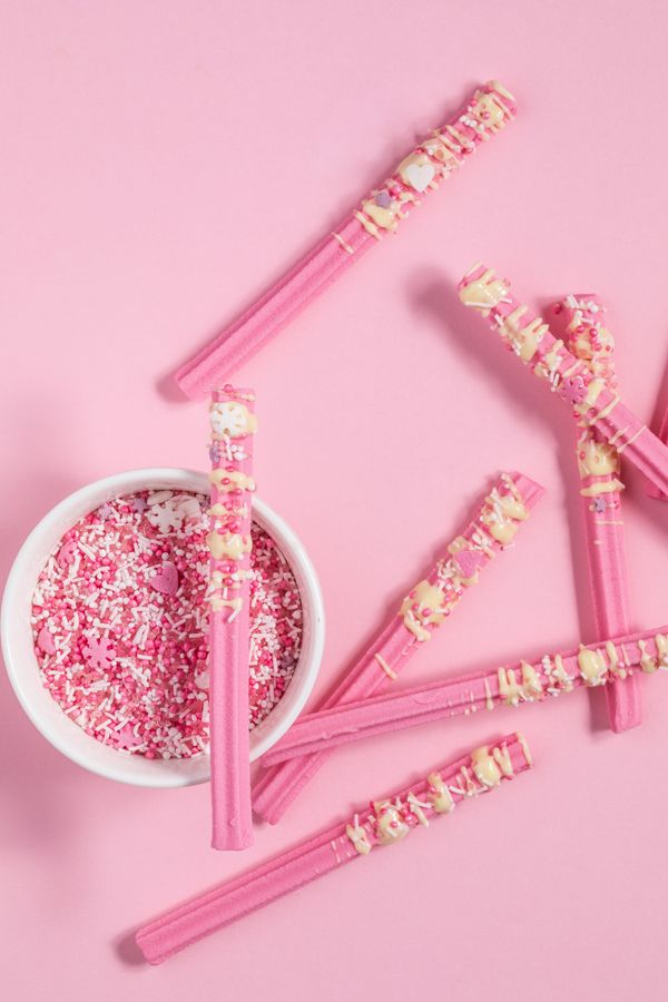 sprinkle dipped musk sticks
