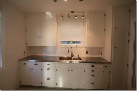 Affordable Stainless Steel Countertops; DIY. I want this for my kitchen!!!