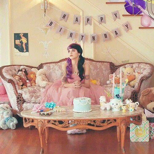 Melanie Martinez Cake Music Box