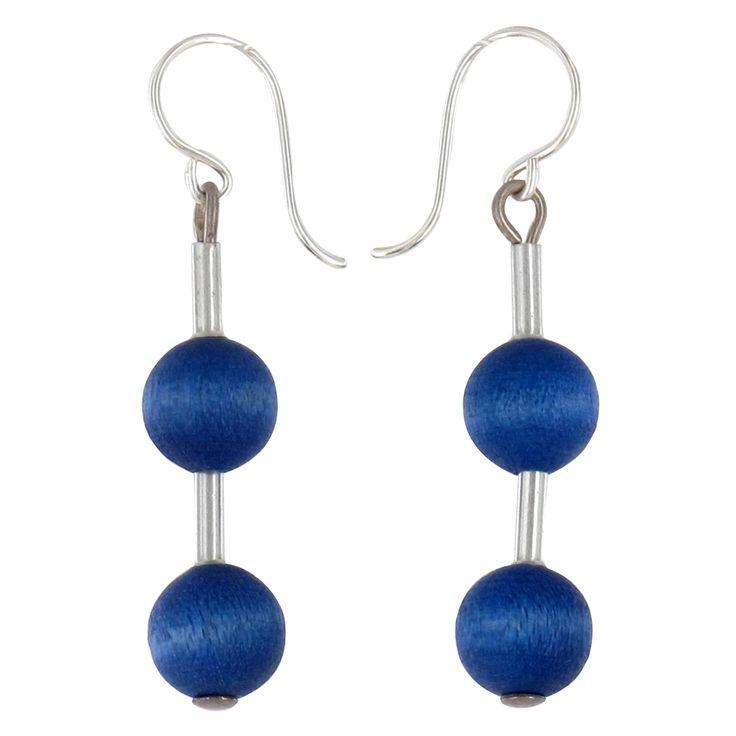 Aarikka - Earrings : Pippuri earrings. Pippuri combines lively forms and bright colours. Designer: Kaija Aarikka.