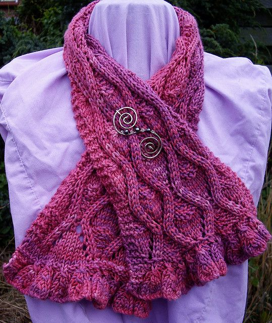Free Knitting Patterns Scarves Pinterest : Ravelry: Blowsey Ruffles pattern by Janine Le Cras Free Knitting Patterns (...