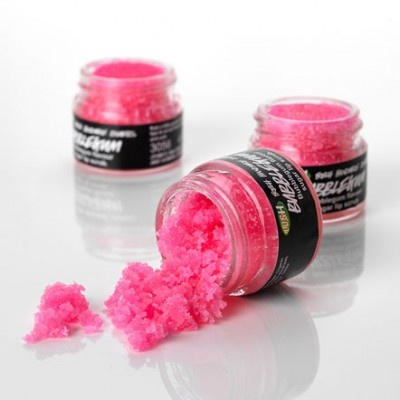 I love it - lip scrub form Lush. It smells and tastes amazing and make my lips super soft <3 And it's pink!