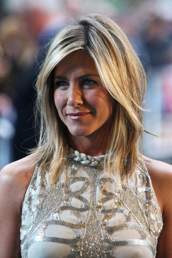 hair messy Jennifer aniston