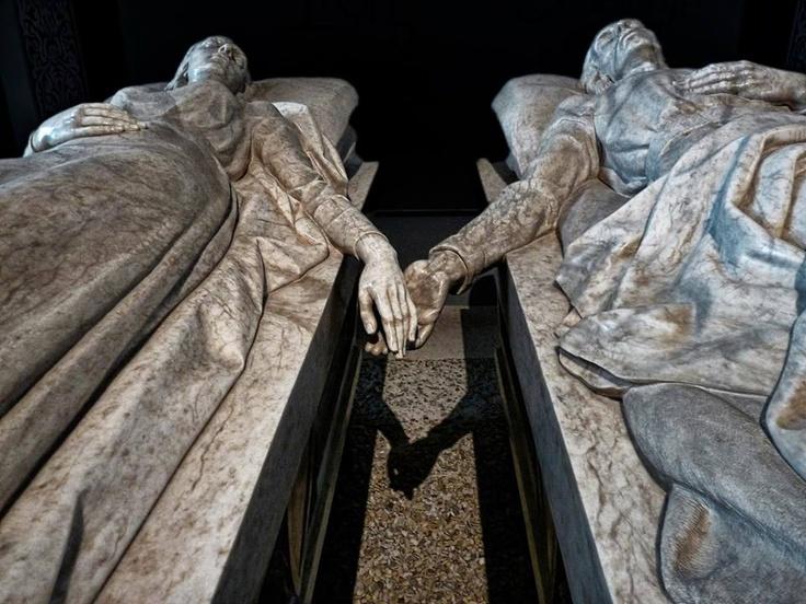 Works for me (just a little closer, please)  Los Amantes de Teruel by the Spanish sculptor, Juan de Ávalos