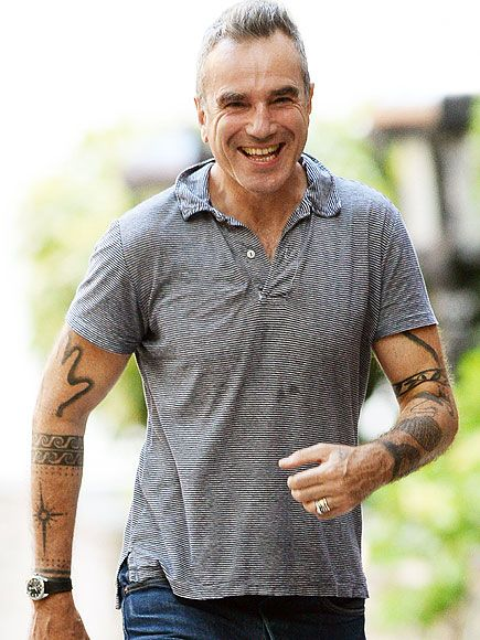 Star Tracks: Monday, September 8, 2014 | A WINNING GRIN   | Daniel Day-Lewis flashes a jolly smile while out for a morning walk in New York City's Greenwich Village on Friday.