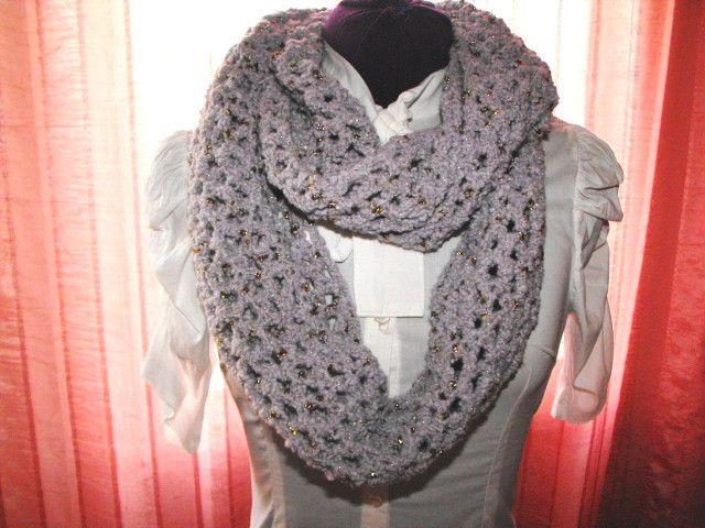 Sciarpe - Sciarpa a cerchio in misto lana grigio e lurex oro - un prodotto unico…