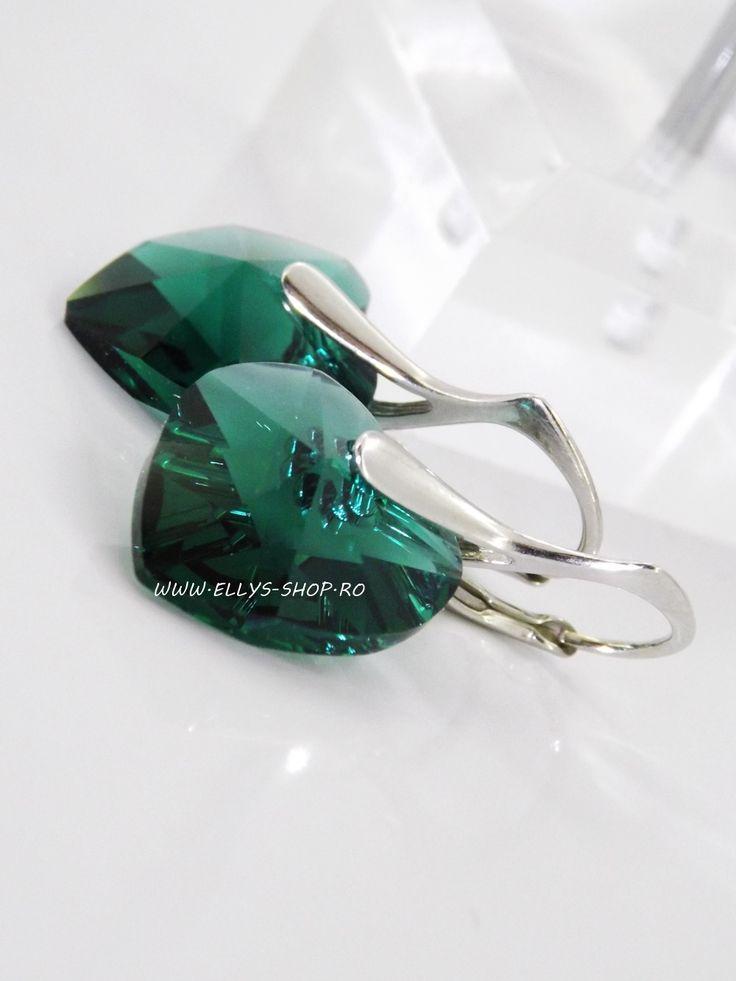 Cercei argint si cristale swarovski smarald Sistem inchidere leverback Inimioare swarovski de 14mm Lungime cercei: 2.8cm