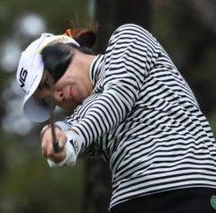 愛媛県松山市エリエールゴルフクラブ松山で開催中の女子ゴルフツアー大王製紙エリエールレデースで打差位から出た比嘉真美子選手がバーディーボギーでこの日のベストスコアをマークし首位と打差となる通算アンダーの位に浮上 このまま年ぶりの勝目を掴んで欲しいですね