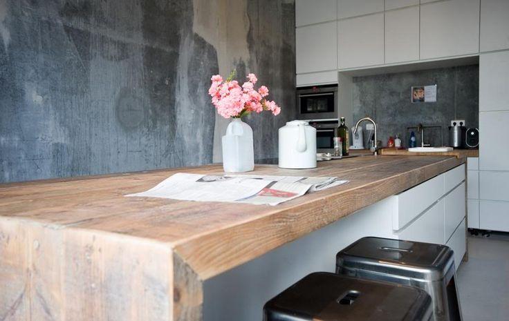 Design keuken met oud hout. #kitchen