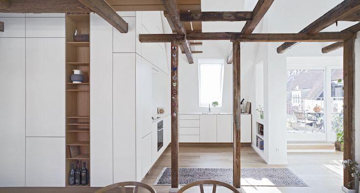 Minimalistic oak-kitchen at Vesterbro, Copenhagen // Snedkerkøkken af Nicolajbo™