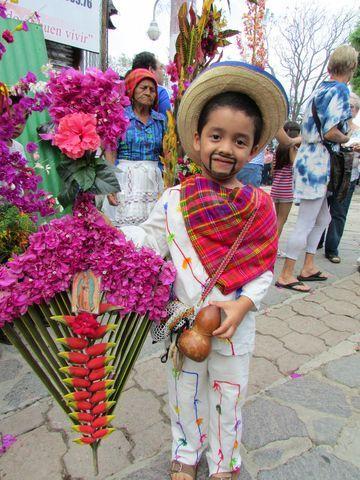 Hermosa herencia para este niño... Panchimalco El Salvador 2014. Foto: Ana Silva