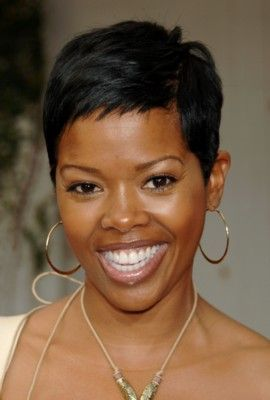 Malinda williams can do no wrong in our book and looks great with pretty much any hairstyle but just like Halle Berry, Nia Long, and Kelly Rowland we love her even more with the short hair.