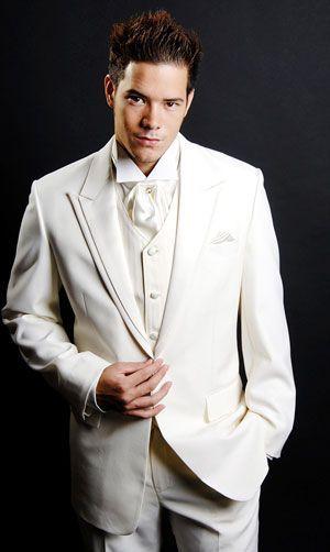 tailor khus menjahit jas pria dengan harga murah berbagai model terbaru dapat dikerjakan dengan mudah dan rapi