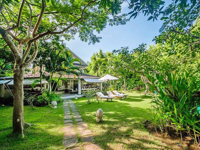 Villa Pandora | 4 bedrooms | Seminyak, Bali #bali #villa #tropical #garden