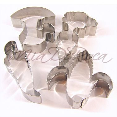Biscuit Cutters Set Vegetables - MiaDeRoca - with toadstool cookie cutter