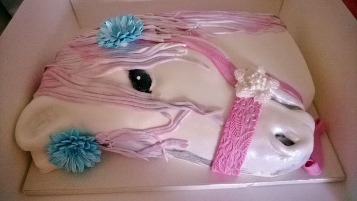 Purppurahelmen juhla- ja  fantasiakakut: Prinsessa heppa