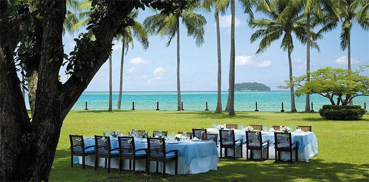 Outdoor Wedding Setup @Shangri-La's Tanjung Aru Resprt & Spa, Kota Kinabalu