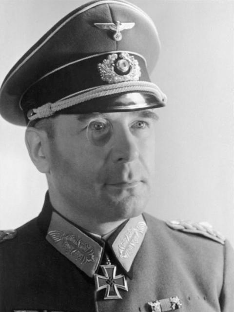 ■ GdI Hans Krebs -- falleció el 03.05.1945 en Berlin.