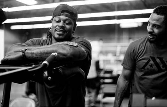 Marshawn Lynch Visits Andre Ward's Training Camp (Photos)