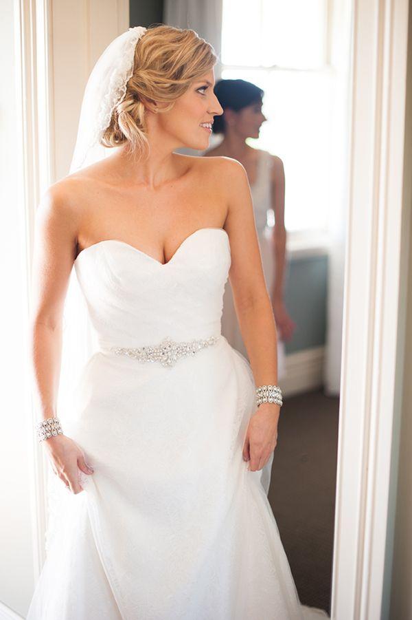 getting wedding ready Sarah Photographer: Meredith Lord MUA: Candice Dear