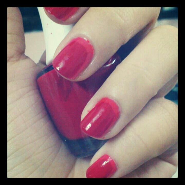 Halo manicure