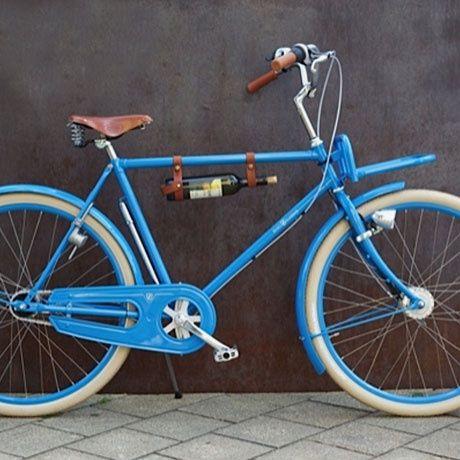 Bike Bottle Holder by Brave Classics | MONQOI   Cool - gepflegte Männer haben immer ein passendes Getränk dabei ;)