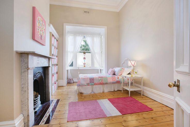 9 View Street, CANTERBURY - Marshall White