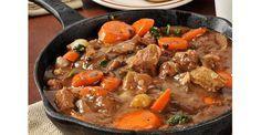 Hoy os traemos un plato típico de la gastronomía Parisina, llamado Boeuf Bourguignon que en español quiere decir carne de ternera estofada en vino tinto. N