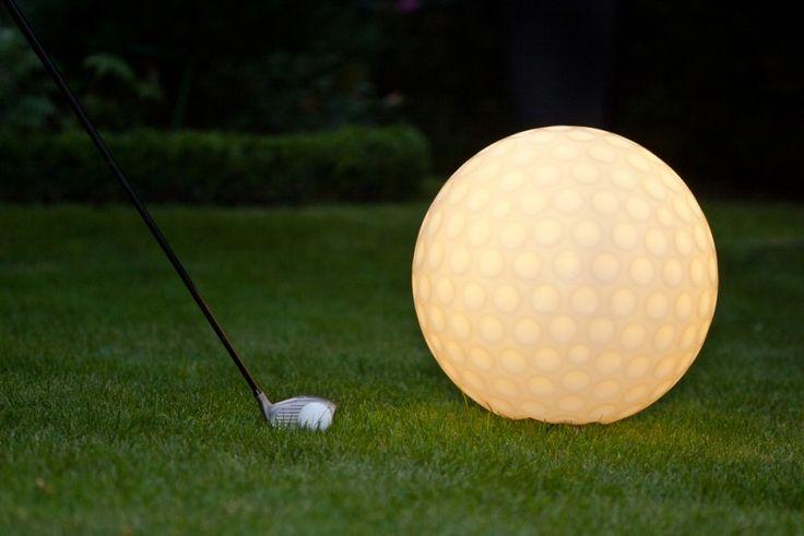 Darf es eine Nummer größer sein? Zum golfspielen nicht geeignet, als Gartendekoration schon eher. ACCENTUM - Golf Light 40