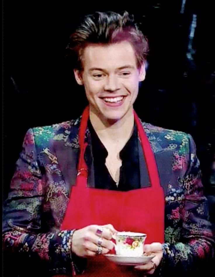 Tea Time with Man of the Moment, Harry Styles! He's using Royal Doulton's Old Country Roses! The Late Late Show with James Corden, 15 May 2017. Follow rickysturn/fine-china