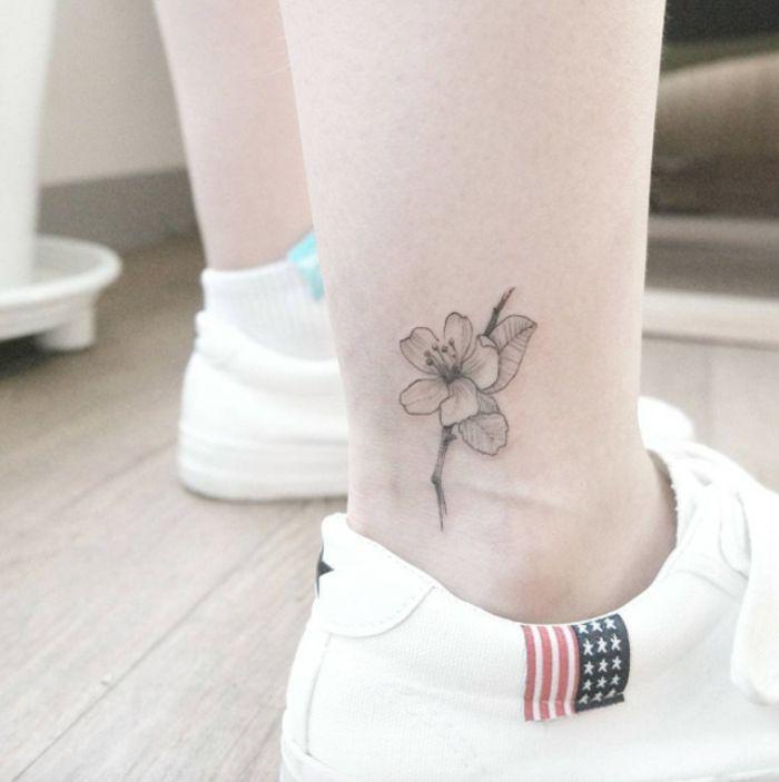 tatuaggi,piccoli,caviglia,semplice,nascosto,fiori,floreale,scarpe