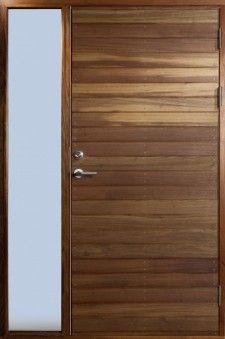 Kornö, massiv ytterdør med innebygd sidelys | Bovalls dörrbyggeri