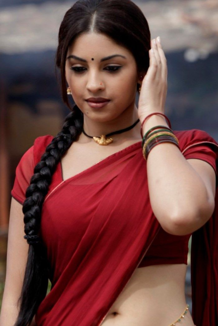 Bollywood Actress Images and HD Wallpapers: Richa Gangopadhyay