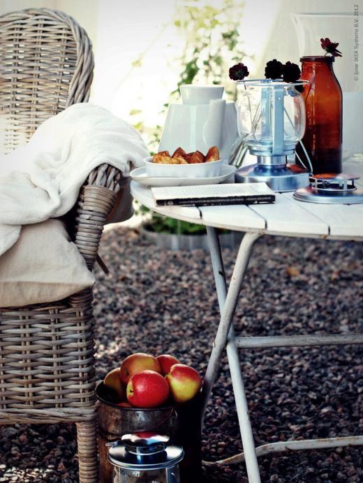Inspiratie - Ikea - Tuin - Garden - Idea - Idee - Tuinmeubelen - Tuinmeubel: Gardens Ideas, Gillar Sommar, Garden Ideas, Terraces Places, Outdoor Living, Holds Vans, Vans De, Gardens Outdoor, Weronica Gillar