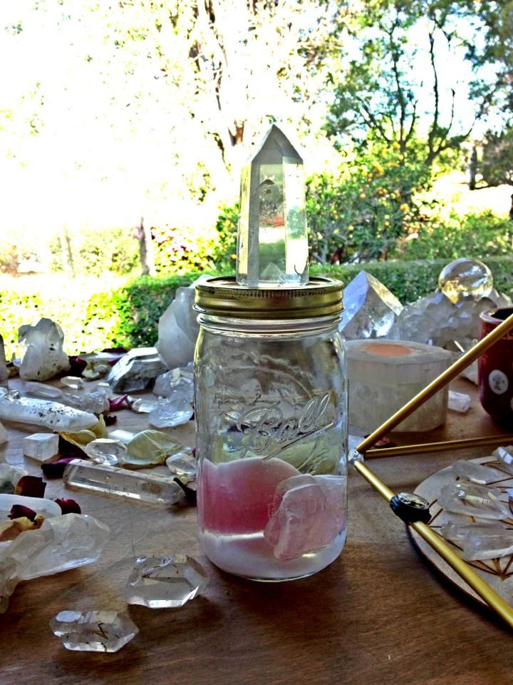 Make Your Own Gem Elixir. Charge / cleanse water using crystals - clear quartz or rose quartz.